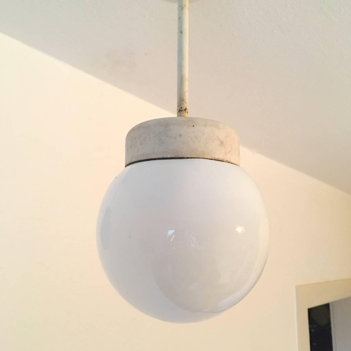 希少 ドイツ ヴィンテージ siemens 陶器 ミルクガラス ランプ 照明 真鍮 バウハウス 工業系 店舗什器 シャビー古道具 小物 家具 北欧 白_画像5