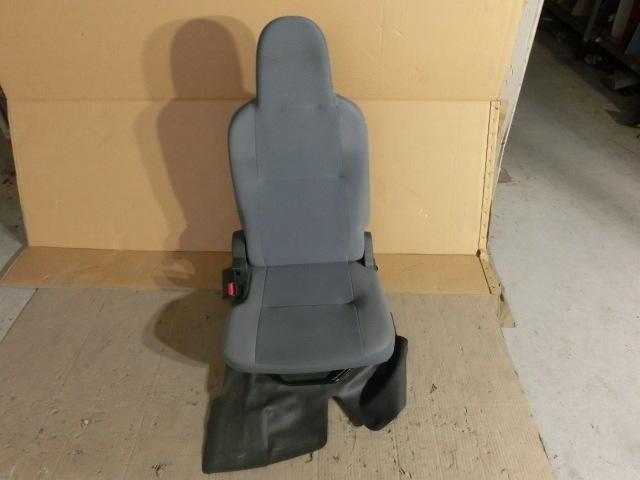 ハイゼットカーゴ 助手席 シート 平成25年 後期 EBD-S321V FB10 左 フロント DX_画像1