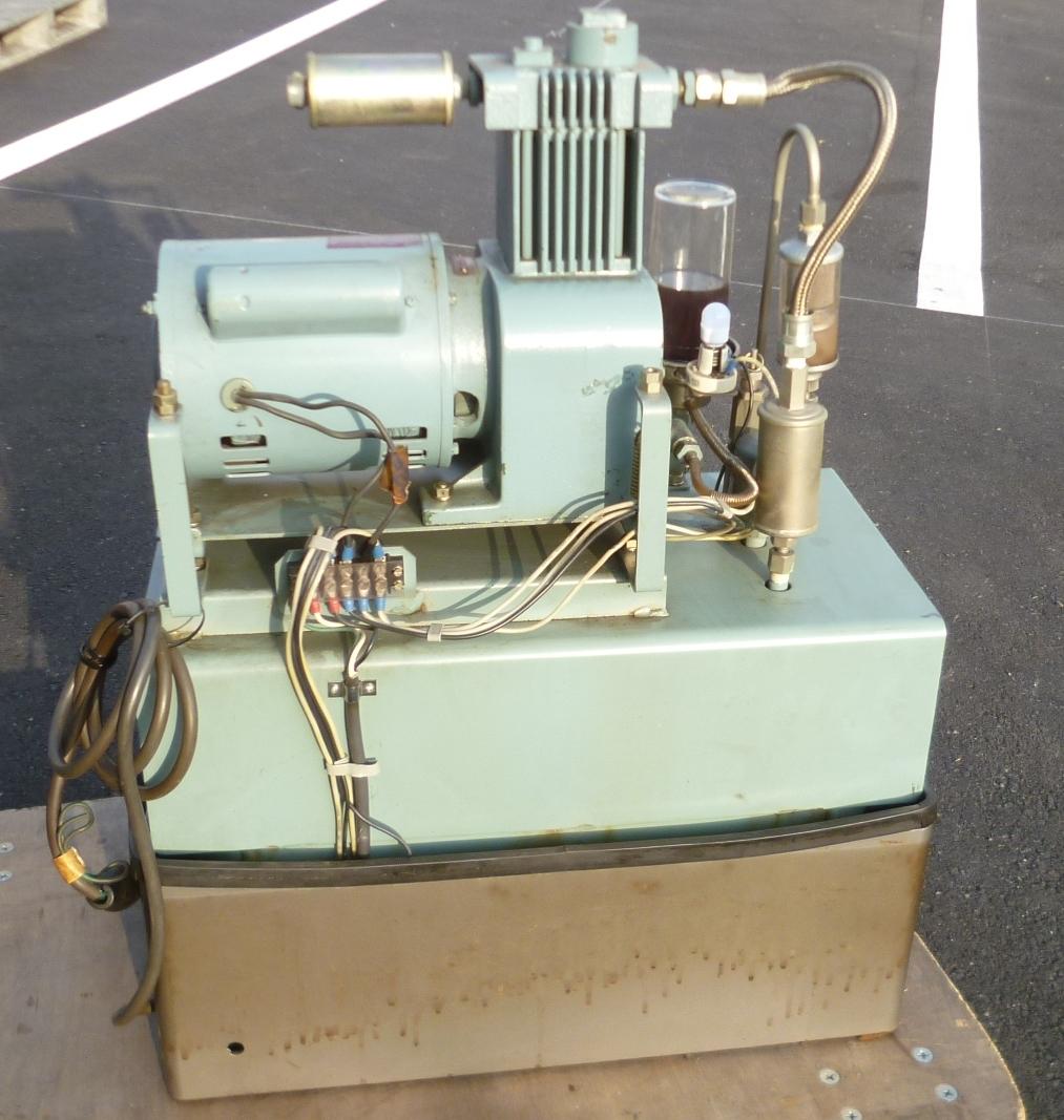 K7096c モリタ 日立 歯科用コンプレッサー A-9 ハイブロウ 100V 60Hz 4.8kg/cm^2_画像2
