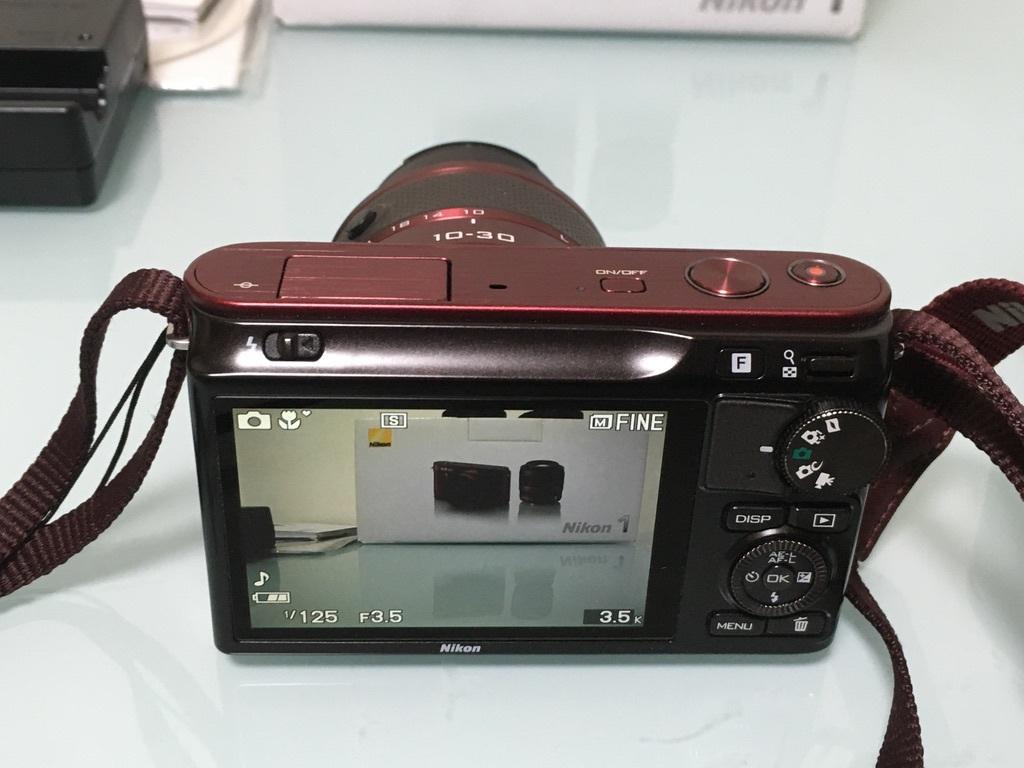 Nikon1 J2 ダブルズームキット(30-110mm F3.8-5.6 VR/10-30mm F3.5-5.6 VR) レッド ミラーレス一眼 SDカード付き 動作良好_画像7