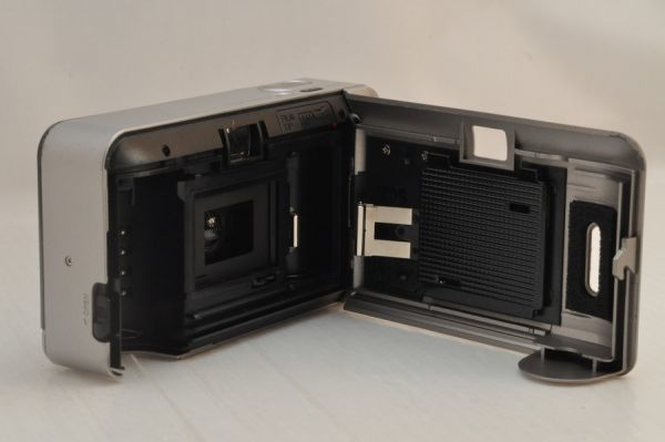 [11420Y1]★緊急大特価★KONICA Big mini 35mm F3.5 初代_画像6