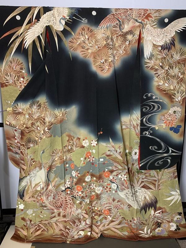 きものさらさ アンティーク着物 黒振袖 鶴 日本刺繍 婚礼 成人式 正絹 花嫁衣裳 大正ロマン ヴィンテージ 古裂