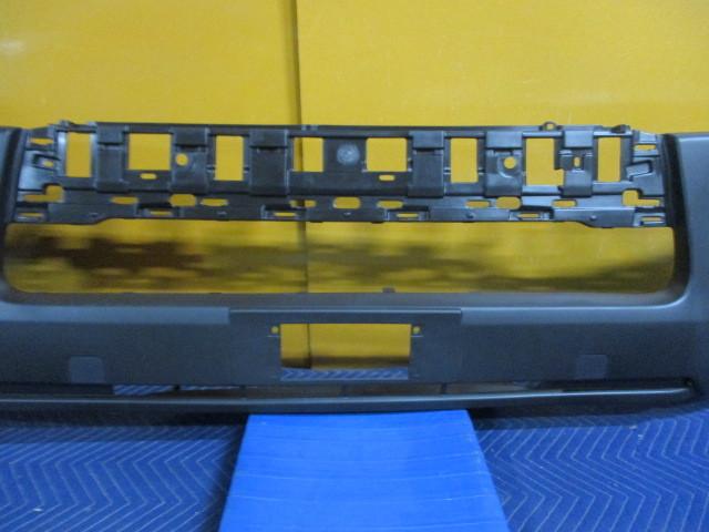 社外 未使用品 TRH200V ハイエース 中期 4型 フロントバンパカバー TY0453001 参考ナンバー 52119-26650 (フロントバンパー) (BA-6616)_画像3