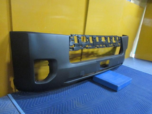 社外 未使用品 TRH200V ハイエース 中期 4型 フロントバンパカバー TY0453001 参考ナンバー 52119-26650 (フロントバンパー) (BA-6616)_画像2