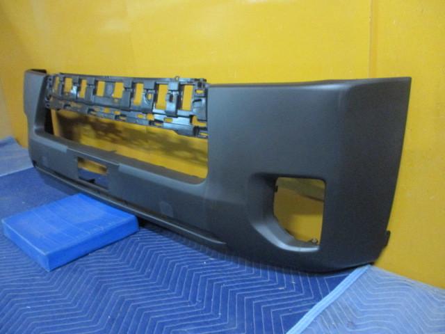 社外 未使用品 TRH200V ハイエース 中期 4型 フロントバンパカバー TY0453001 参考ナンバー 52119-26650 (フロントバンパー) (BA-6616)_画像4