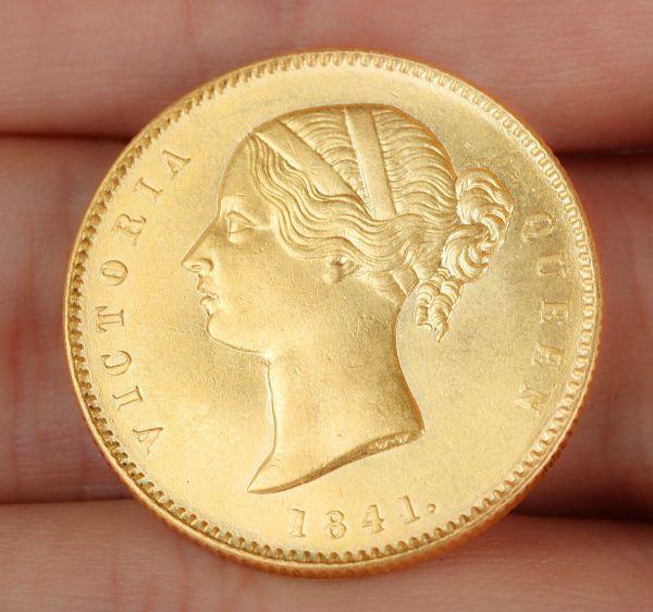 【芸】イギリス 英国 1841年 ヴィクトリア女王 One Mohur 金貨 UNC 唐物 純金 本金保證