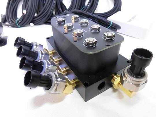 エアーマネージメントKIT Ver.3 エアサス 電磁弁 エアーゲージ ワイヤレスリモコン エアサスコンプレッサー タンク VIAIRなどに_画像4
