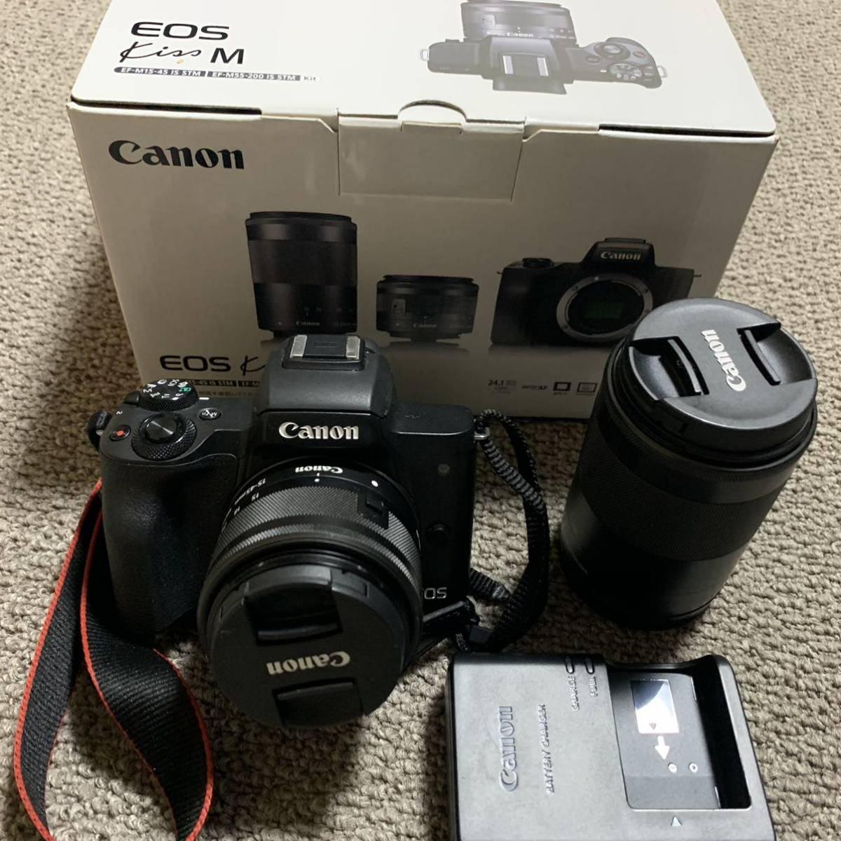 Canon EOS Kiss Mダブルズームキット