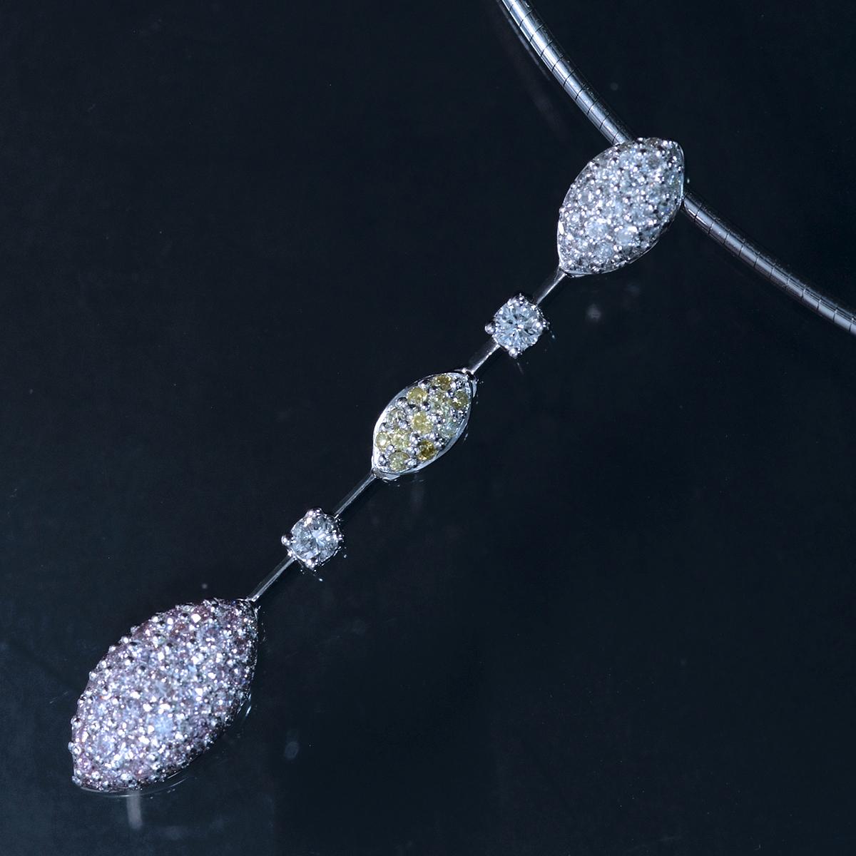 E9854 天然ピンク、イエロー、カラーレスダイヤモンド0.75ct 最高級18金WG無垢オメガネックレス_画像1