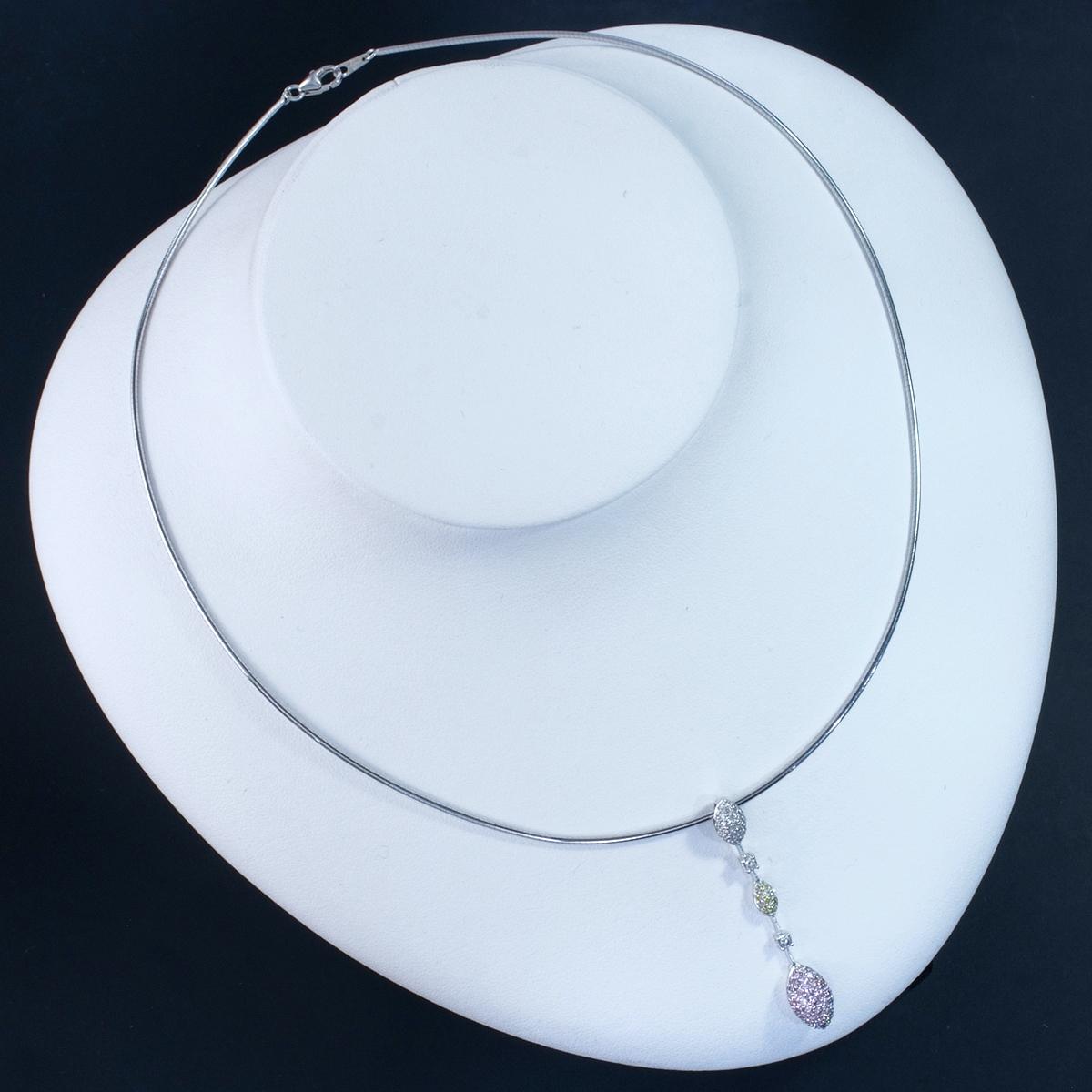 E9854 天然ピンク、イエロー、カラーレスダイヤモンド0.75ct 最高級18金WG無垢オメガネックレス_画像4