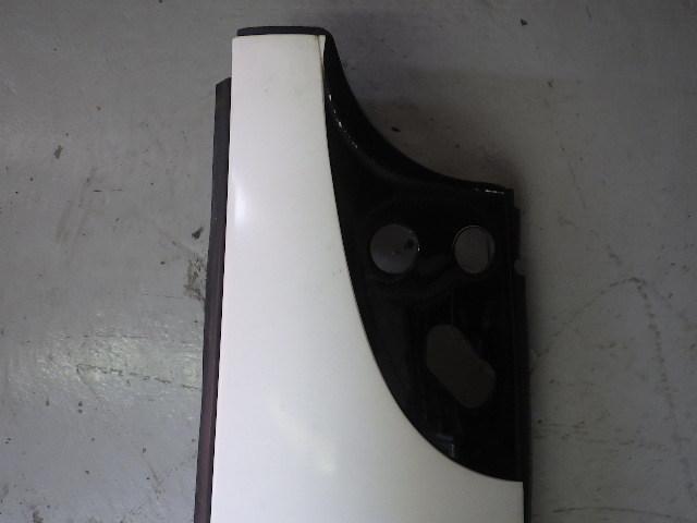 91102-64-140-3 ★ いすゞ フォワード コーナパネル 右側 運転席側 PJ-FSR34L4_画像2