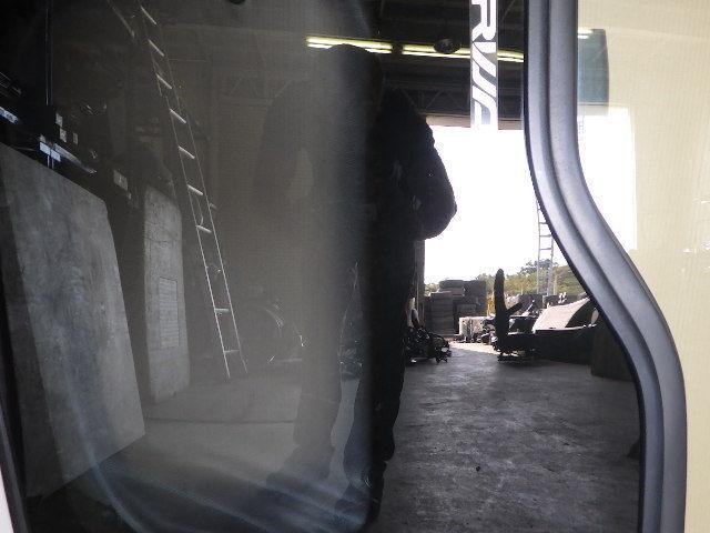 91118-3-1 ★ いすゞ フォワード ドア ヒンジ 左側 助手席側 PJ-FSR34L4_画像3