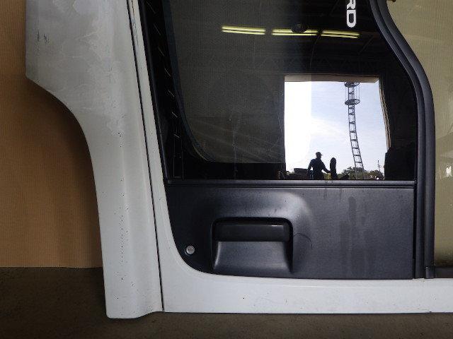 91118-3-1 ★ いすゞ フォワード ドア ヒンジ 左側 助手席側 PJ-FSR34L4_画像4
