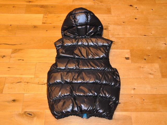 国内正規品 デュベティカ DUVETICA アリステオ ダウン ベスト 46 S-Mサイズ ブラック 黒 999-NERO メンズ モンクレール_画像2