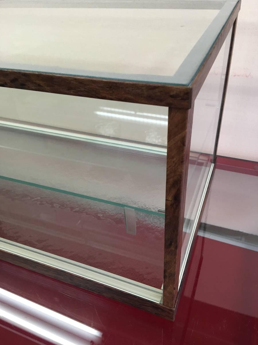 アンティーク調ガラスケース ショーケース 幅75㎝高さ28.5㎝ コレクションケースにも_画像6