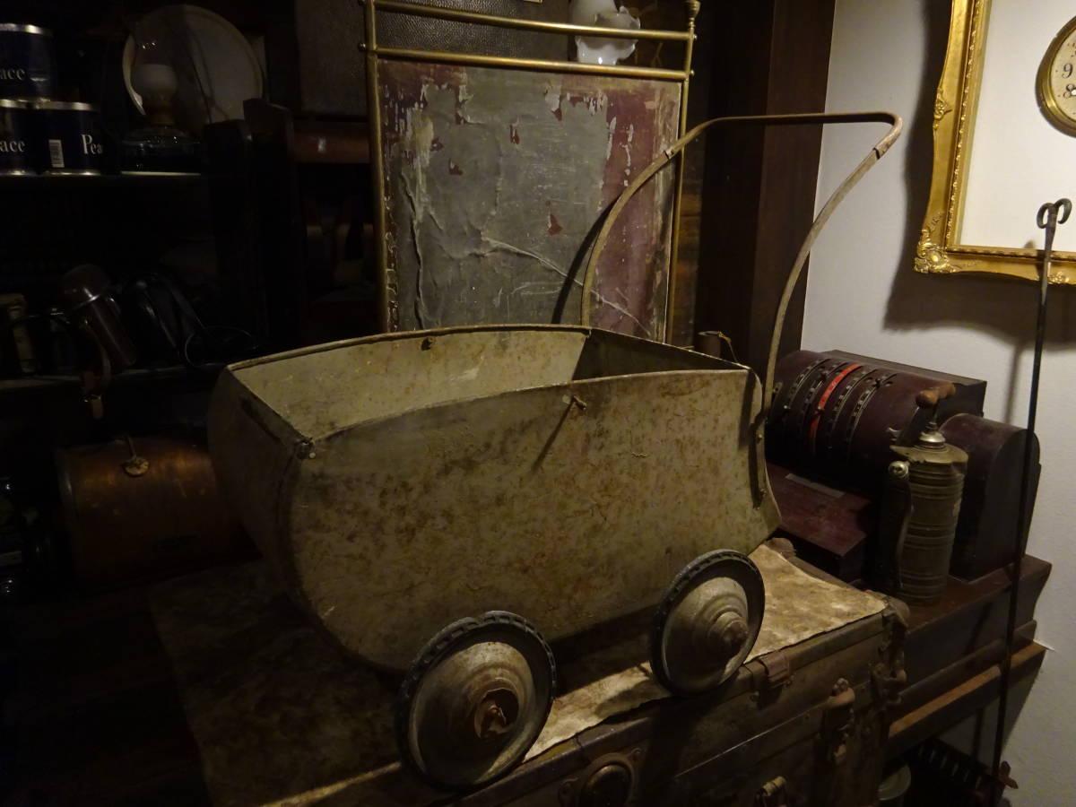 【フランス蚤の市ブリキ手押し車】英国アンティーク荷車リヤカーカート四輪車ベビーカーガーデニング古道具インテリアインダストリアル骨董_画像1