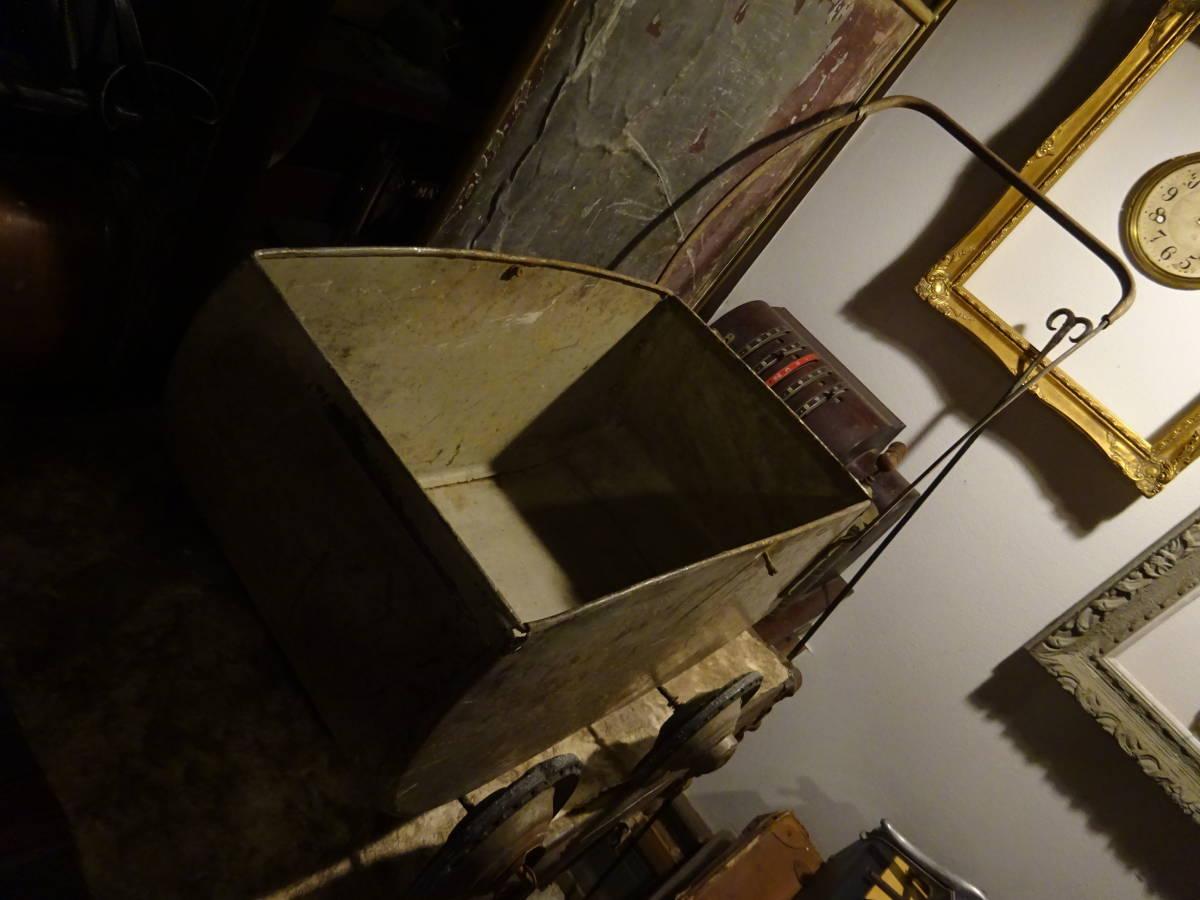 【フランス蚤の市ブリキ手押し車】英国アンティーク荷車リヤカーカート四輪車ベビーカーガーデニング古道具インテリアインダストリアル骨董_画像3