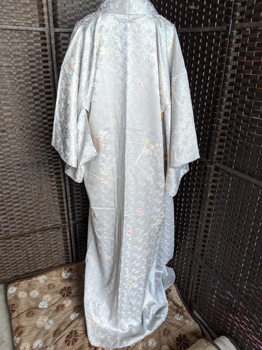 B696 着物 小紋 袷 訪問着 花唐草 絞り 絹 レトロ 昭和 身丈約150 裄約63 着物リメイク 素材 古布_画像3