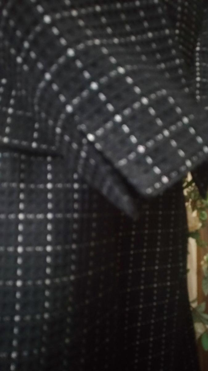 新品同様/大きいサイズ4L17号17ABR/袖スリットにて折り曲げ可能ジャケ&裾両サイドスリット入SKの2点スーツ_画像3