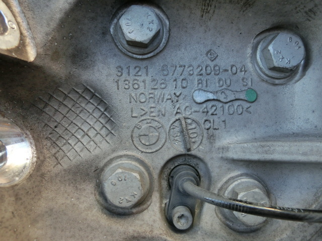 BMW 116i 左 ナックル 平成23年 後期 LBA-UE16 フロント ハブ ABSセンサー付 E87 2011y   ii_画像4