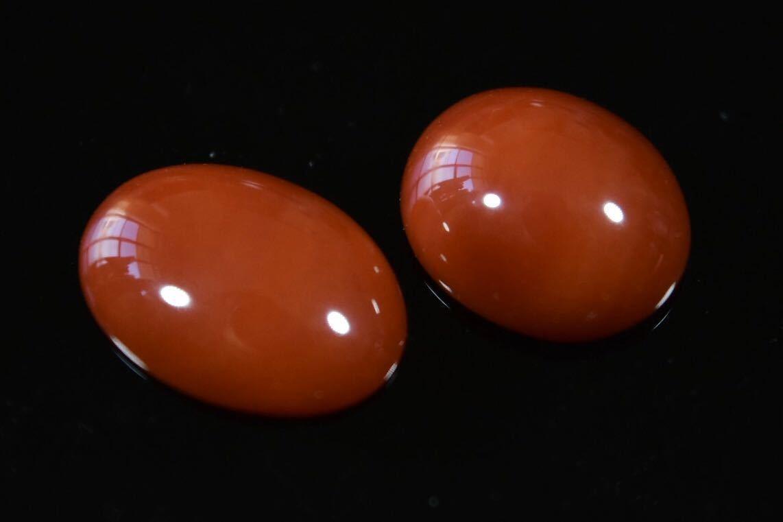 015/高知産天然血赤珊瑚保証 ルース 指輪アクセサリー用パーツ 2点纏めて 1.7g_画像3
