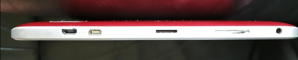 中古 TOSHIBA 10インチ タブレット A204YB レッド_画像3