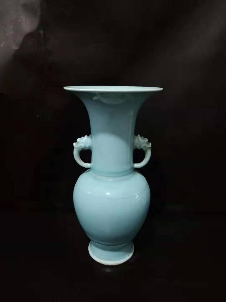 古陶瓷 天青釉雙獣耳瓶 花瓶 彩釉陶磁 瓷器工芸 置物 擺件 中国古美術