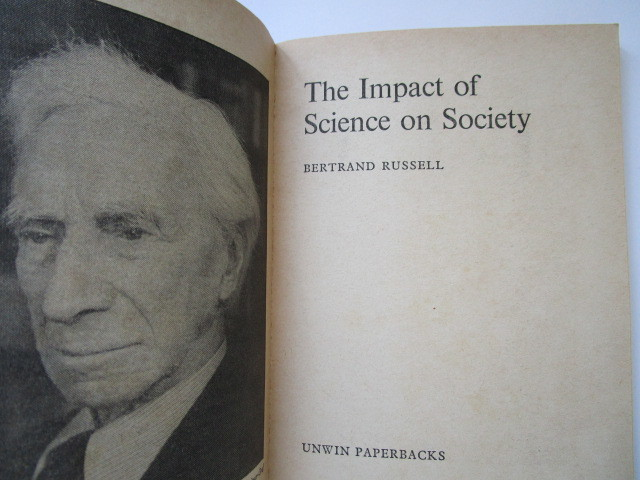 """""""The Impact of Science on Society"""" by Bertrand Russel - 洋書ペーパーバック_画像3"""