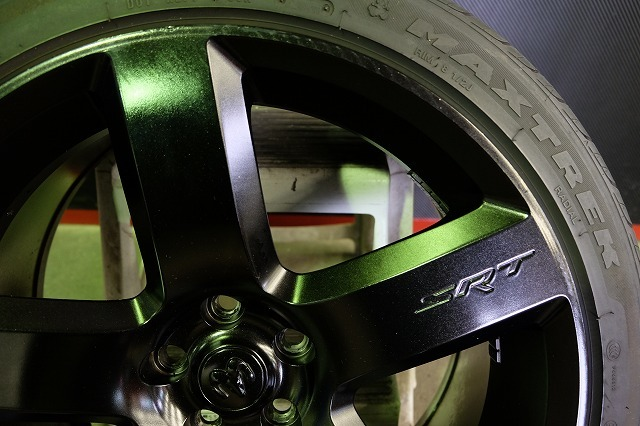 ダッジ マグナム SRT8 純正 20インチ アルミ・タイヤ4本セット (ブラック塗装)チャレンジャー チャージャー 300 300C 等_画像5