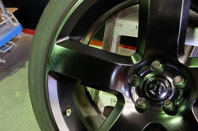 ダッジ マグナム SRT8 純正 20インチ アルミ・タイヤ4本セット (ブラック塗装)チャレンジャー チャージャー 300 300C 等_画像7