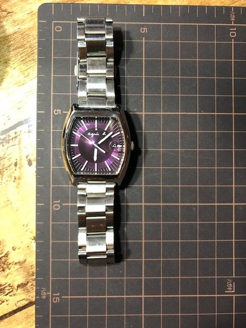 KK113 良品程度 レア agnes.b/アニエスベー デイト パープル文字盤 トノー 純正SSブレス 7N32-0DB0 クオーツ メンズ 腕時計_画像2