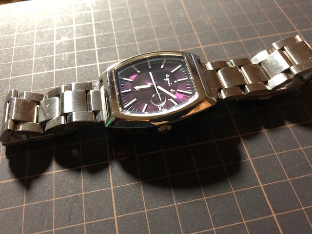 KK113 良品程度 レア agnes.b/アニエスベー デイト パープル文字盤 トノー 純正SSブレス 7N32-0DB0 クオーツ メンズ 腕時計_画像4