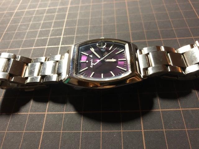 KK113 良品程度 レア agnes.b/アニエスベー デイト パープル文字盤 トノー 純正SSブレス 7N32-0DB0 クオーツ メンズ 腕時計_画像5