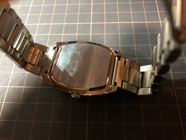 KK113 良品程度 レア agnes.b/アニエスベー デイト パープル文字盤 トノー 純正SSブレス 7N32-0DB0 クオーツ メンズ 腕時計_画像7