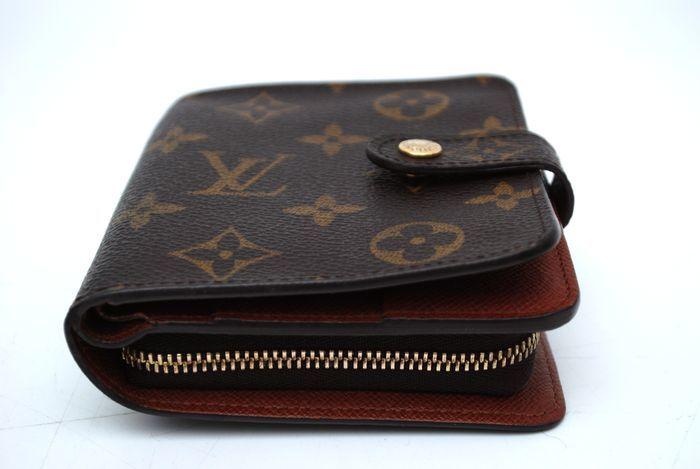 【極美品】 ルイヴィトン Louis Vuitton モノグラム コンパクトジップ 二つ折り ヴィトン 財布 メンズ レディース 本物 美品 1円 定価約7万