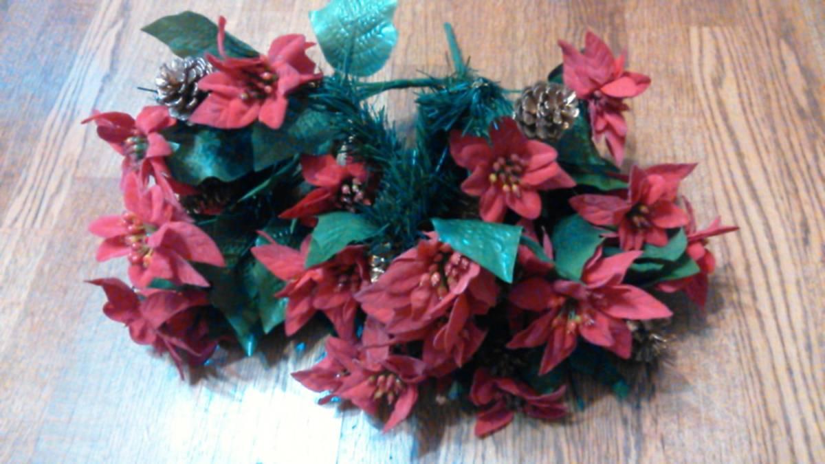 可愛い♪ポインセチア大量クリスマス花飾りフラワーデコ手作りウェディングパーティーDIYハンドメイド結婚式ツリー造花オーナメントリース_出品物です♪少し花びら等折れあります★