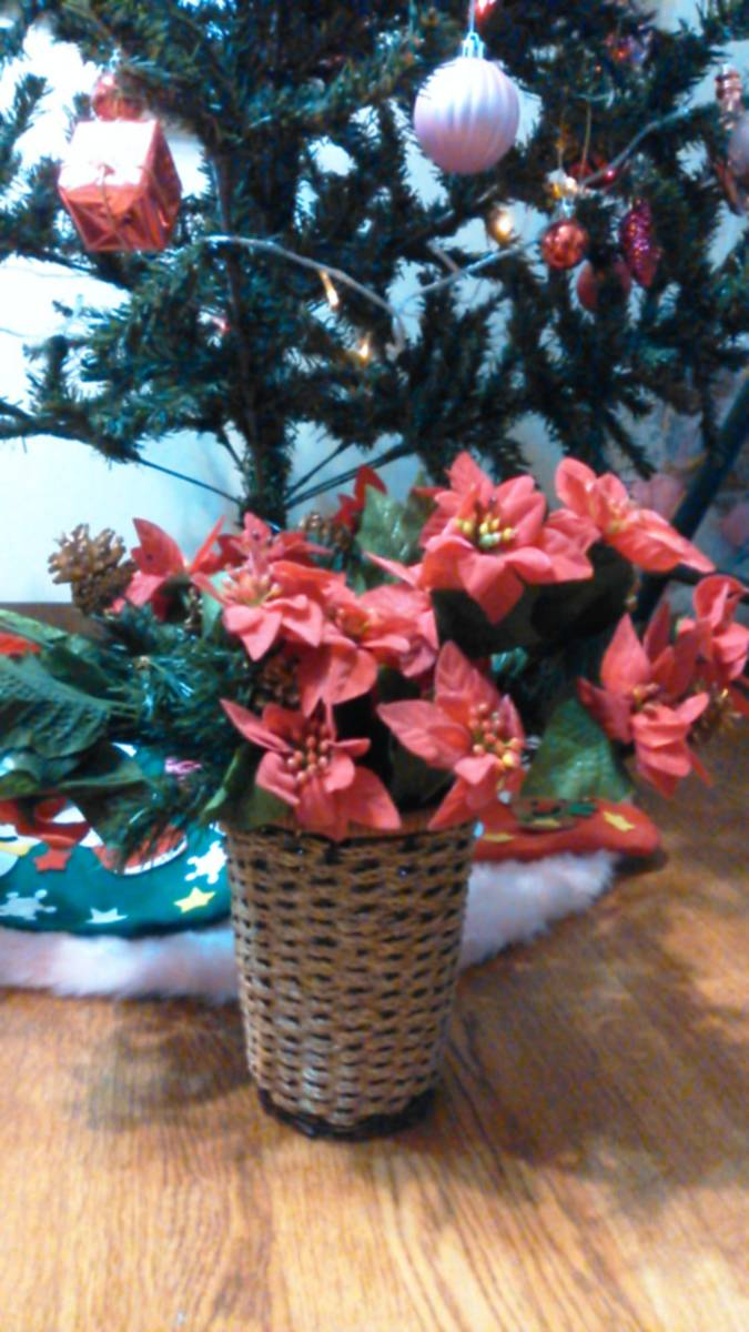 可愛い♪ポインセチア大量クリスマス花飾りフラワーデコ手作りウェディングパーティーDIYハンドメイド結婚式ツリー造花オーナメントリース_一番手前のポインセチア赤の出品です♪