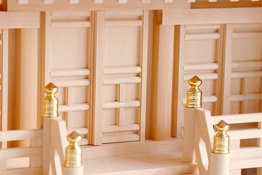 東型箱宮 3尺 高欄付 ■ 美しい、東濃桧 ■モダン 箱宮 3尺 特大 ■ 飾り格子に組高欄 神棚 神具付 神棚セット_画像6