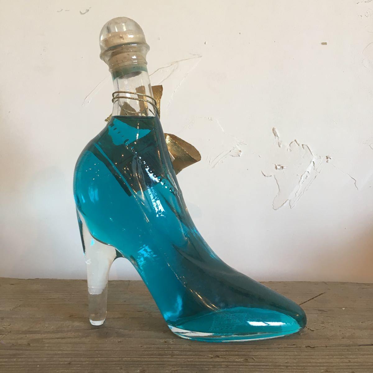 未開封 ブルーキュラソー リキュール 350ml PAPAGENA パパゲーナ オーストリア ガラス製 ピンヒール型 911w 古酒 オブジェ ハイヒール_画像2