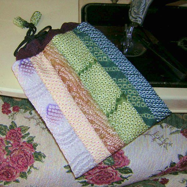 【自作・手作り】正絹・しぼりの巾着 #袋 #和装 #絹 #シルク #小物入れ #バッグ #和服 #着物 #七五三 #成人式 #晴れ着 #プレゼント #贈り物_画像2