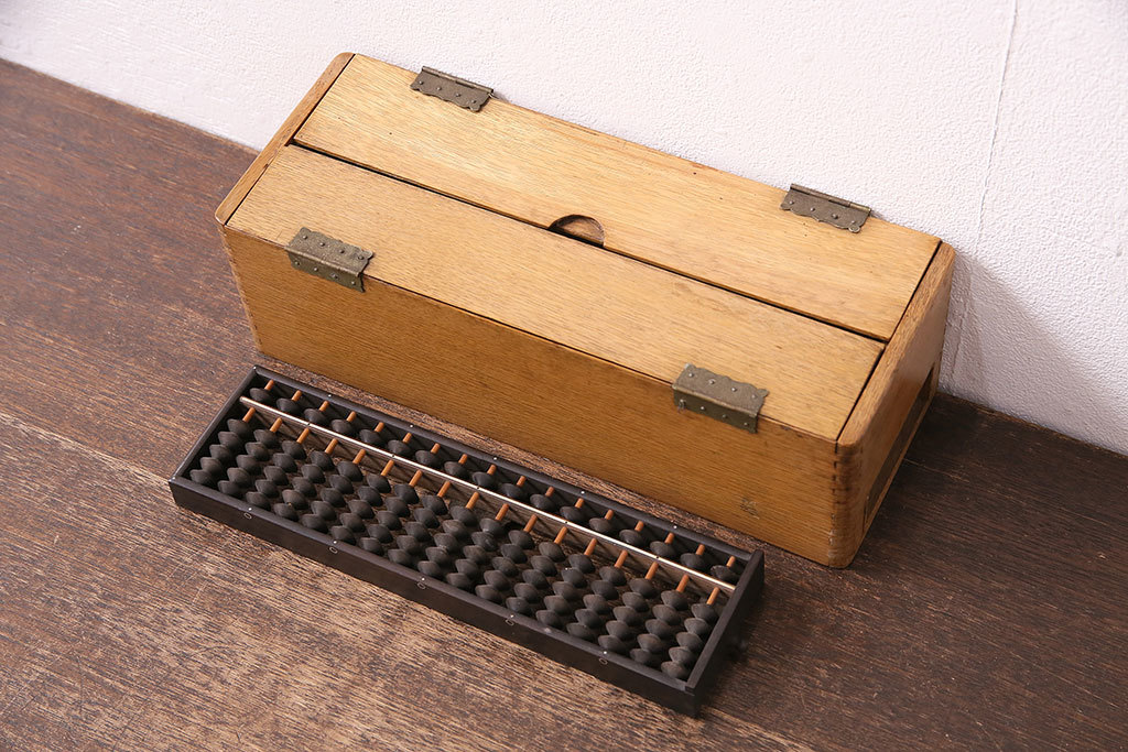 R-047636 昭和レトロ ナラ材 黒檀製そろばん付きの珍しい小物入れ(木箱、小物収納、算盤)(R-047636)_画像1