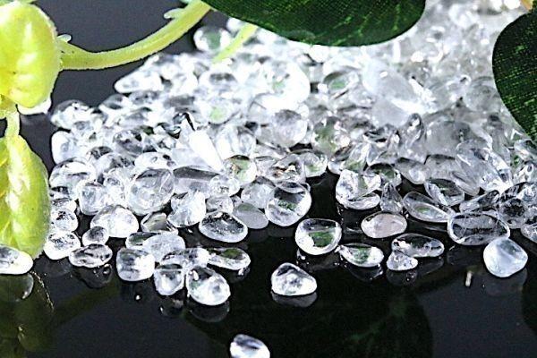 【送料無料】 200g さざれ 小サイズ AAAランク クオーツ 水晶 パワーストーン 天然石 ブレスレット 浄化用 さざれ石 チップ ※1_画像3