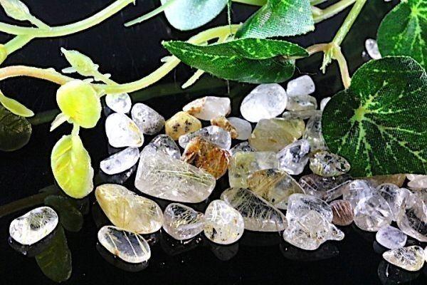 【送料無料】 200g さざれ 小サイズ ミックス ルチル クオーツ 針 水晶 パワーストーン 天然石 ブレスレット 浄化用 さざれ石 チップ ※2_画像1