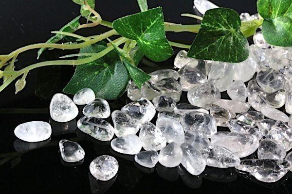 【送料無料】 200g さざれ 大サイズ ヒマラヤ 水晶 クオーツ パワーストーン 天然石 ブレスレット 浄化用 さざれ石 チップ ※4_画像4