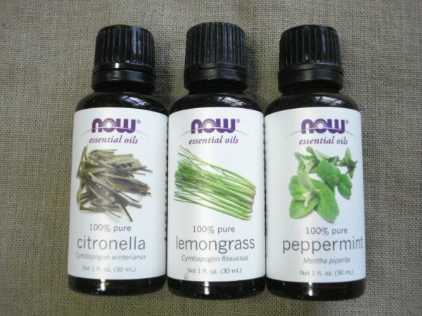 ☆ ☆ essential oils citronella, lemon grass, peppermint insect repellent