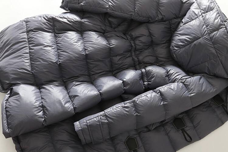 new goods warm lady's 90% down coat with a hood . duffle coat .. gray M last 1 sheets