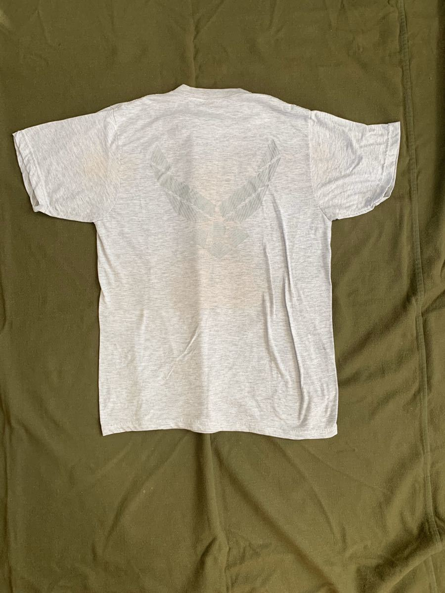米軍 放出品 実物 半袖Tシャツ サイズ M グレー USAF U.S. AIR FORCE エアフォース 空軍 バックプリント シンプル T_画像4