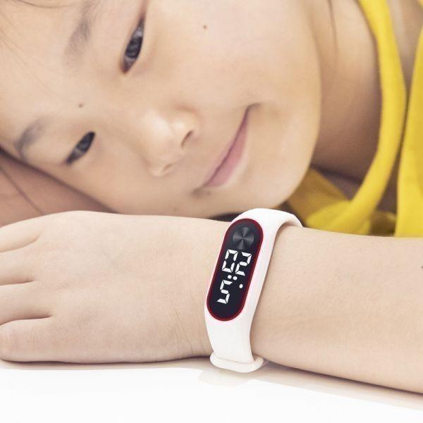 子供の腕時計 Led デジタルスポーツウォッチ少年少女メンズ ・ レディース ・ 電子シリコンブレスレット腕時計リロイニノ White Red_画像5