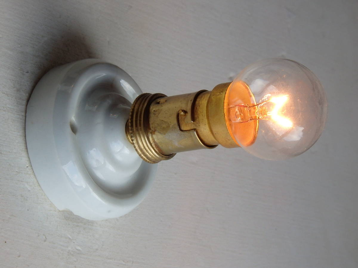 oフランスアンティーク 陶器 ライト 壁付け ウォール インダストリアル アトリエ 工業系 ランプ 電気 照明 蚤の市 ブロカント カフェ_画像1