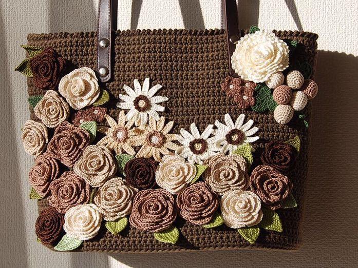イングリッシュガーデンの花咲くバッグ*レース編み*バラ*マーガレット*トートバッグ *かぎ針編み*ハンドメイド♪レース糸